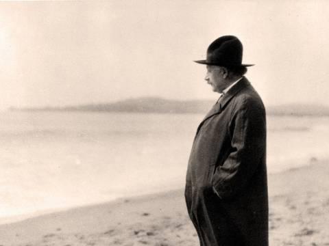 Einstein on the Beach — Column door Thomas Hertog