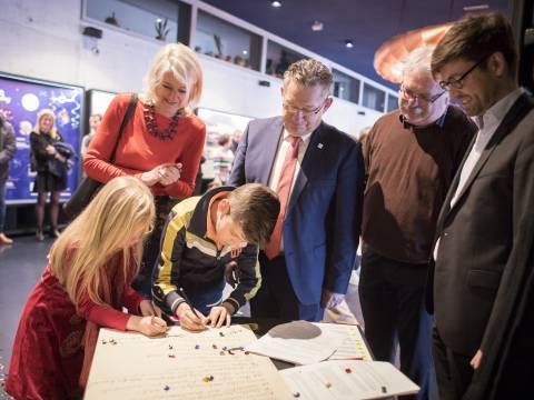 Concertgebouw Brugge  ondertekent Familiemanifest
