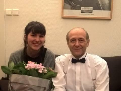 Soundcaster Anne interviewt Iván Fischer