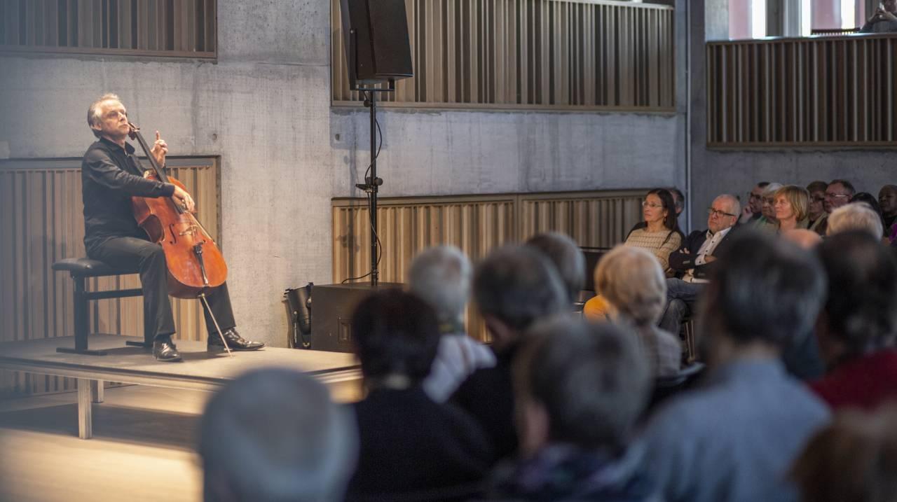 "<a style=""color:black;"" href=""https://www.concertgebouw.be/nl/beethoven-xs"">Bekijk het programma</a>"