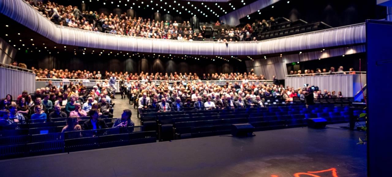 Provincie klinkt op nieuwe jaar in het Concertgebouw