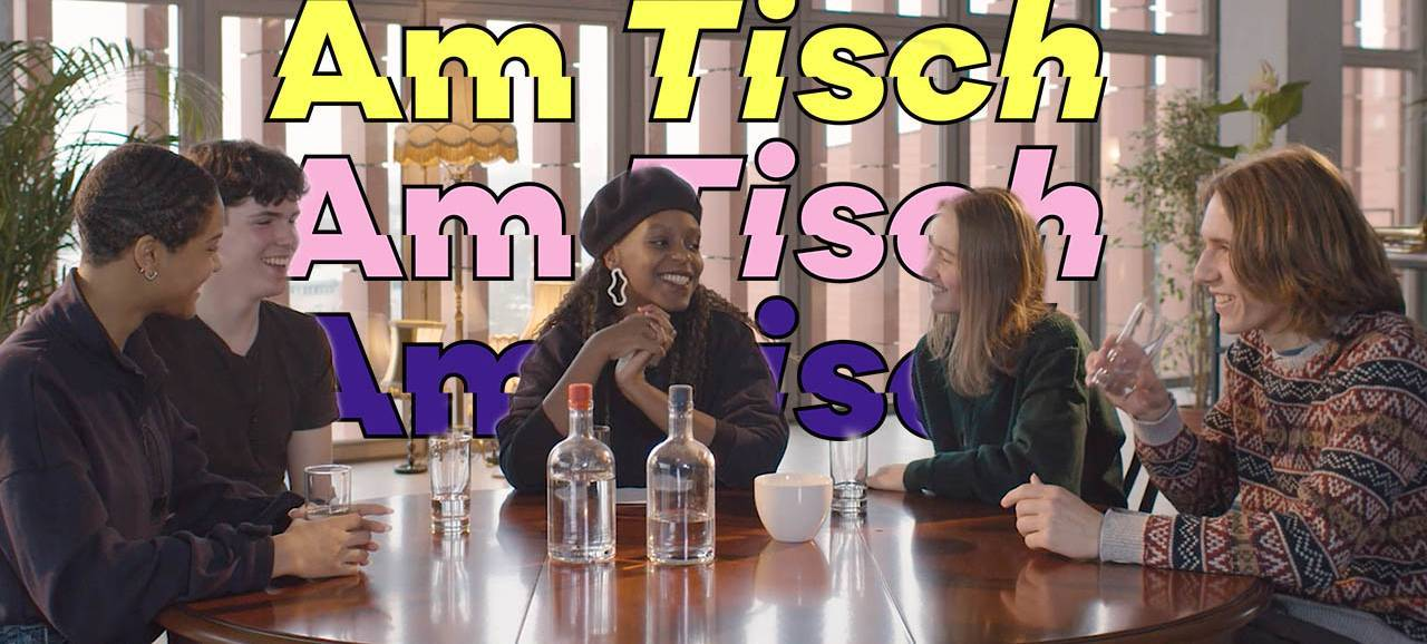 AmTisch, tafelgesprekken met jongeren over identiteit
